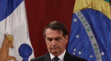 Instan a aislarse a todos los contactos del ministro incluido Bolsonaro
